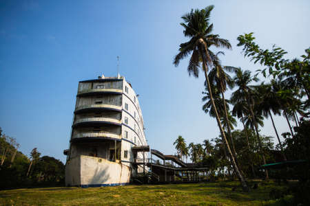 An abandoned building stylized as a huge ship in the jungle of the Islands of the Gulf of Thailand. Фото со стока