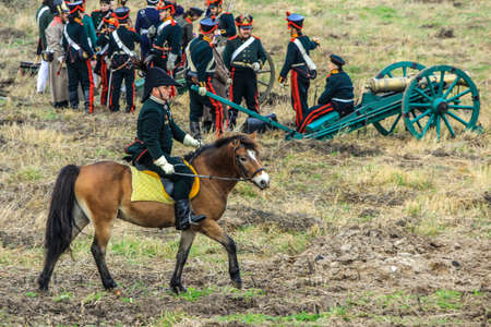 10.21.2012, Maloyaroslavets, Russia. production reconstruction of the battle of 1812 between the French and Russian armies by enthusiast forces. 新聞圖片