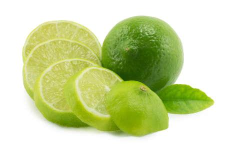 Zitrone; Kalk auf einem weißen Hintergrund