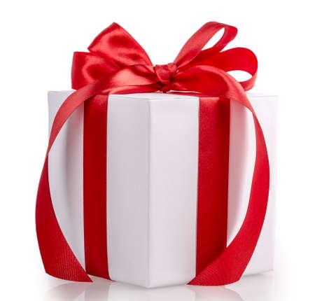 doos lint boog geïsoleerd op witte achtergrond