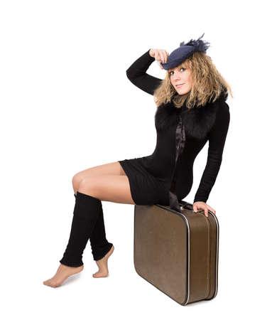 mujer con maleta: maleta mujer aisladas sobre fondo blanco