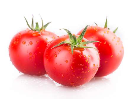 jitomates: tomate aisladas sobre fondo blanco Foto de archivo