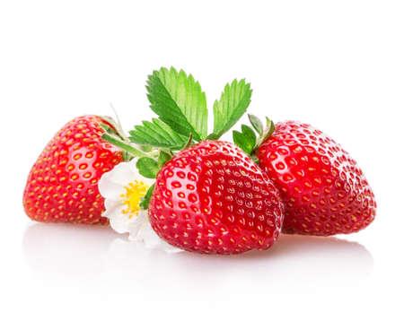 homme détouré: fraises isolé sur fond blanc Banque d'images