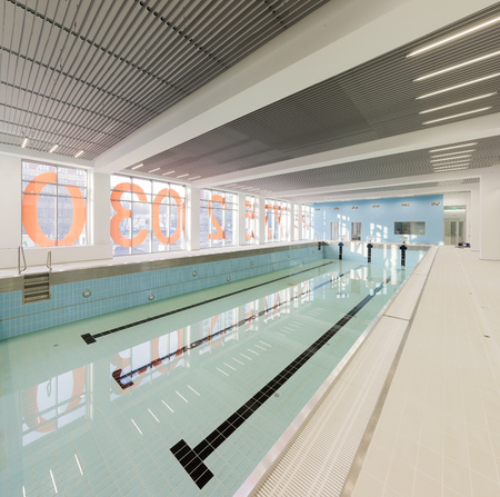 padding: Empty swimming pool in modern sports center Stock Photo