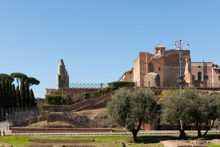 The Temple of Venus and Roma (Templum Veneris et Romae) on the Velian Hill. Rome, Italy Banque d'images