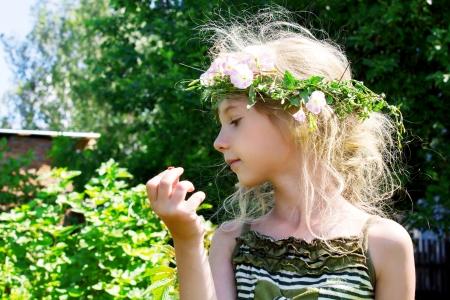 arvensis: Girl in the grass wreath convolvulus arvensis 4633