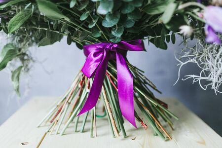 The stems of flowers in a bouquet close up. Stockfoto
