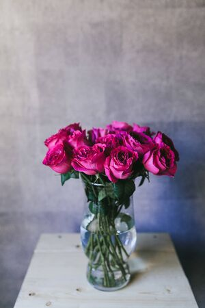 A bouquet of large pink roses close up. Stockfoto
