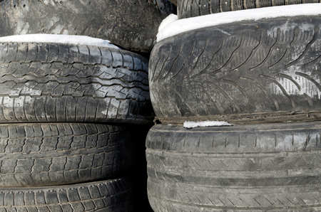 winter tires: Storage of old tires outdoors in winter