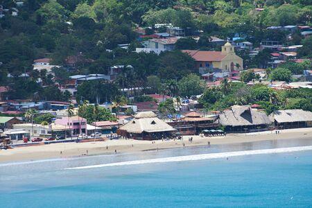 la gente en el agua azul en San Juan del Sur Complejo turístico