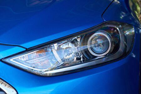 현대 블루 카에서 Led 광입니다. 깨끗한 현대 자동차의 근접 촬영 스톡 콘텐츠