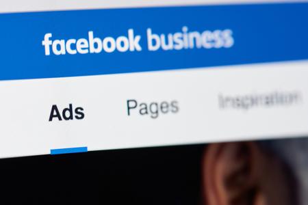 Nueva York, Estados Unidos - 26 de abril de 2018: página de negocios de Facebook para publicidad en primer plano de la pantalla del portátil Editorial