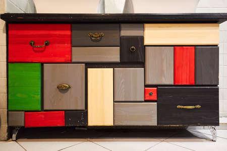cassettiera da molte diverse e diverse dimensioni di cassetti