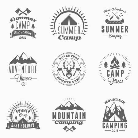 Set of Retro Vintage Summer Camping Badges Çizim