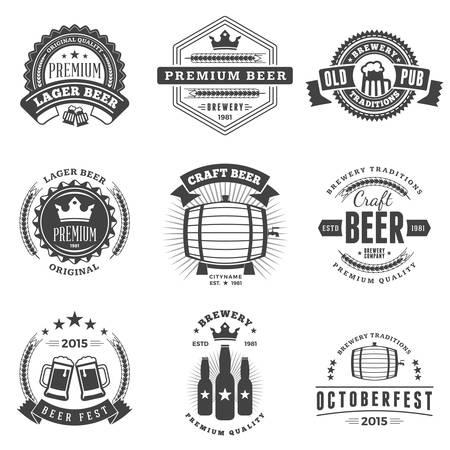 jarra de cerveza: Conjunto de insignias de cerveza vintage retro, etiquetas, logotipos. Ilustración vectorial en blanco y negro