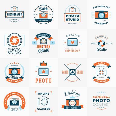 写真のロゴ デザイン テンプレートのベクトルを設定します。写真のレトロなビンテージ バッジ、ラベル。 結婚式の写真。フォト スタジオ。カメラ