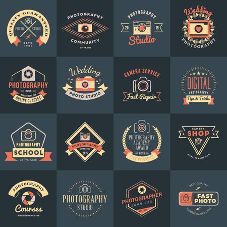 사진 로고 디자인 템플릿의 집합입니다. 사진 레트로 빈티지 배지 및 레이블. 웨딩 사진. 사진 스튜디오. 카메라 숍. 사진 커뮤니티