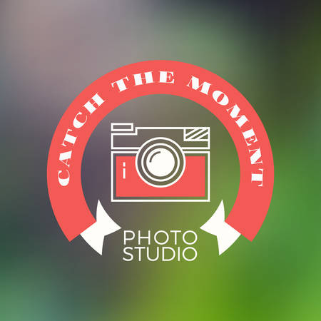 'catch the moment': Photography icon Design Template. Retro Vector Badge. Catch the Moment Illustration