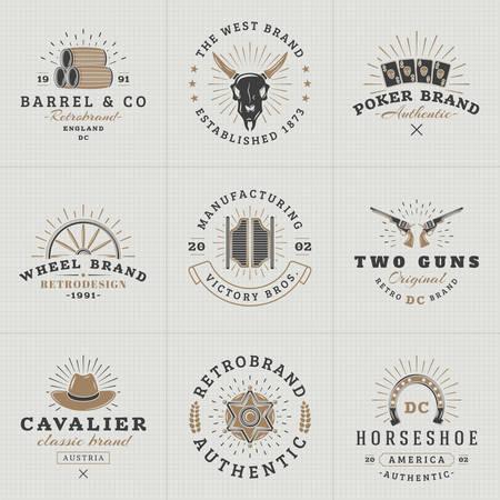 Set d'étiquettes Hipster Vintage, logotypes, Badges pour votre entreprise. Sauvage Thème Ouest. Barrel, Scull, Cartes, Roue, Saloon, Arme à feu, Chapeau, shérif. Vector Illustration