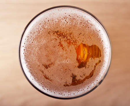 bier glazen: glas bier bovenaanzicht