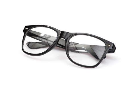 白い背景に分離されたモダンな黒眼鏡