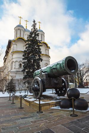 bombard: Tsar Cannon, Moscow Kremlin, Russia