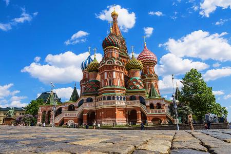 聖ワシリイ大聖堂、モスクワ、ロシアの赤の広場に。