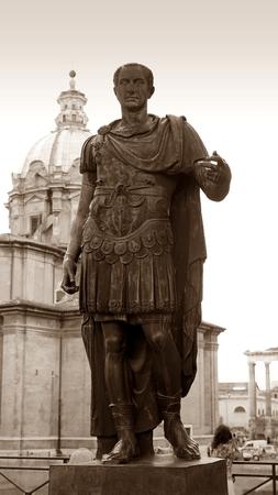 Standbeeld van Julius Caesar in Rome, Italië
