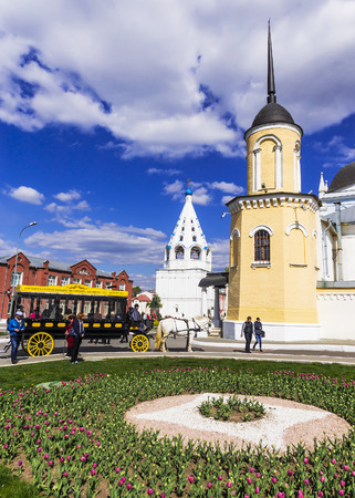 omnibus: KOLOMNA , RUSSIA-MAY 3. Modern copy of horse-drawn carriages (omnibus) in city Kolomna May 3, 2014. form of urban public transport, characteristic of the second half of the XIX century. Editorial