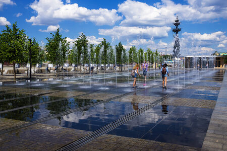 embankment: Fountain on the Crimean Embankment, Moscow, Russia
