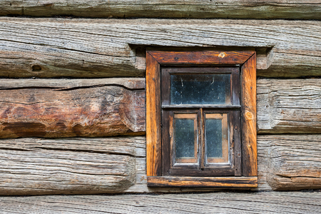 veiny: window in the old log house
