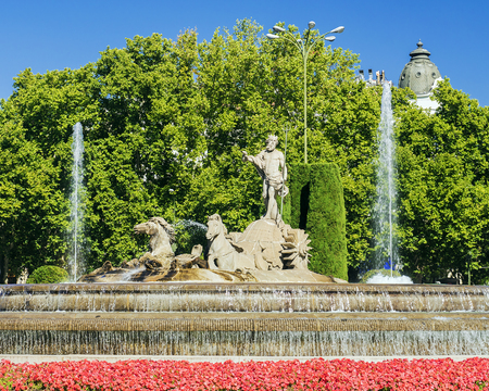 borne fontaine: Fountain of Neptune in Madrid
