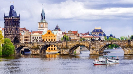 charles bridge: Charles Bridge in Prague, Czech Republic