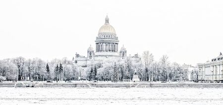 isaac s: St. Isaacs Cathedral in St. Petersburg in the winter