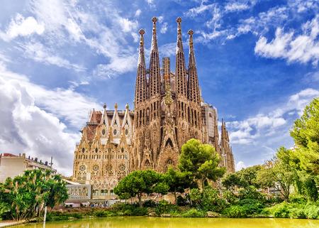 바르셀로나, 스페인 -9 월 15,2015 : Sagrada Familia 바르셀로나에서. Sagrada - Antoni Gaudi가 만든 건물로 가장 잘 알려져 있습니다. 스톡 콘텐츠 - 72722619