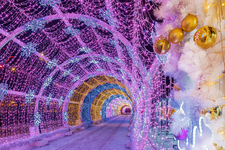 Christmas in Moscow. Light tunnel on Tverskoy Boulevard Stock fotó - 111364665