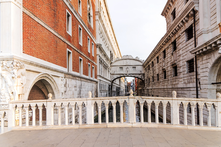 morning view of the Bridge of Sighs in Venice Фото со стока