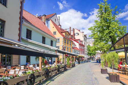Riga, Latvia. Square Livu with beautiful buildings in the old city of Riga 스톡 콘텐츠
