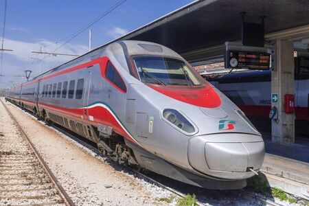 VENICE, ITALY-APRIL 22, 2017: Trenitalia high speed trains train trains at the Venice St. Lucia railway station Banque d'images - 137507603