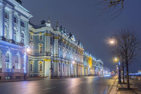Palace Embankment and the Winter Palace in St. Petersburg 新聞圖片