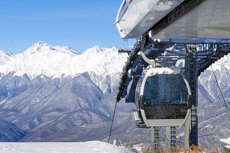 cable car cabin on the ski lift 版權商用圖片