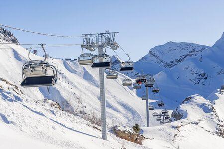 funiculars on the background of ski slopes 版權商用圖片