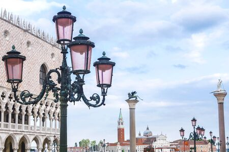 Venice, Italy. Lamps on San Marco Square in Venice 新聞圖片