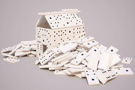 gamers: house built of dominoes.