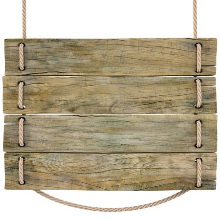 uithangbord: blank houten bord opknoping op een touw. op wit wordt geïsoleerd