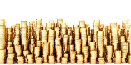 Gouden munten in hoge stapels. Geïsoleerd op wit. Stockfoto