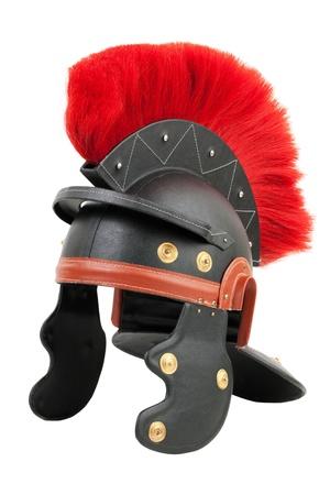 cascos romanos: Fake casco de legionario romano sobre un fondo blanco Foto de archivo