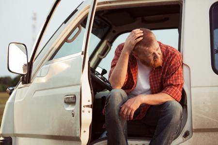 bloke: Conducente della vettura � seduto a pensare a qualcosa di