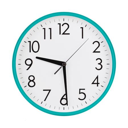 Cinco Minutos Después De Diez En Una Esfera De Reloj Redonda Fotos,  Retratos, Imágenes Y Fotografía De Archivo Libres De Derecho. Image  54028452.