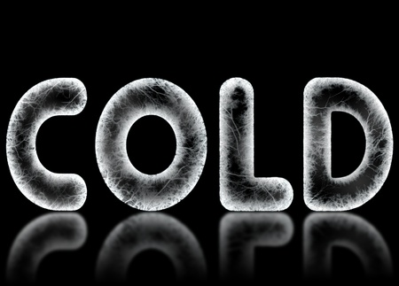 The word COLD is spelled in frosty frozen letters on a black background with a reflection. Computer generated. Banco de Imagens